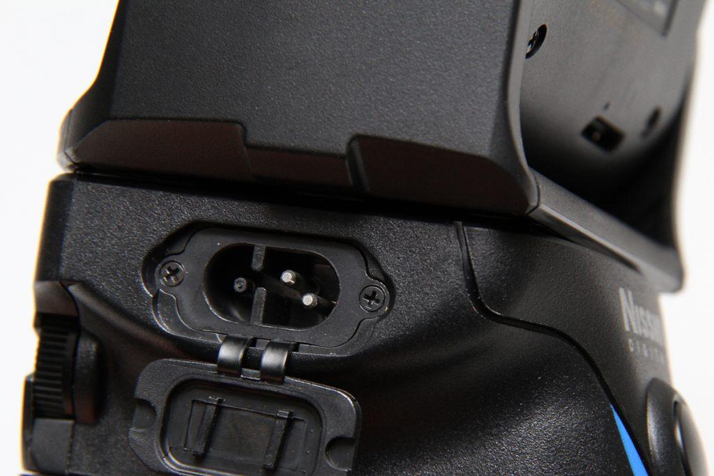 【MG10・MG8】外部電源端子はどの形状でしょうか?